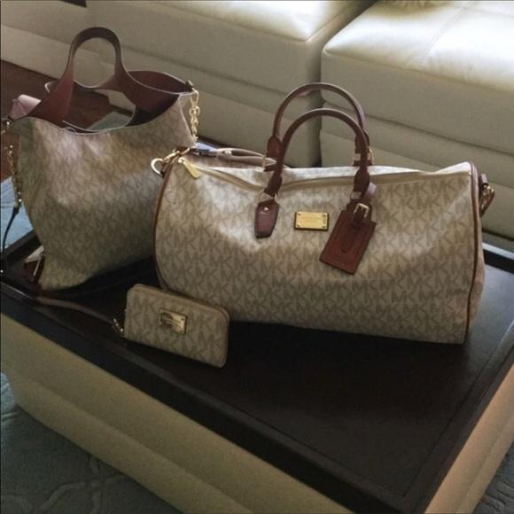 04e5496ff8a8 Michael Kors 3 pc set. Handbag wallet duffle bag. M_5acbc4bc1dffda3ed2e55d4e